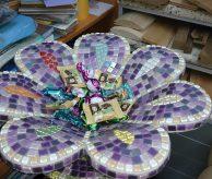 Курна-цветок, отделанная мозаикой